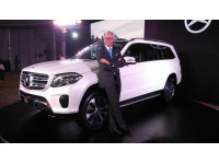 Mercedes benz to launch petrol powered gls gle and cls for Mercedes benz gls 350d price in india