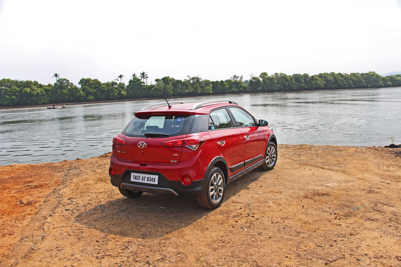 Hyundai I20 Active Images Photos And Picture Gallery
