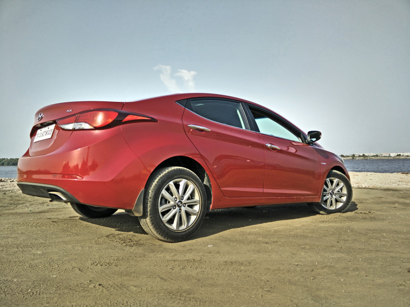Hyundai Elantra Images Photos And Picture Gallery 206194 Cartrade