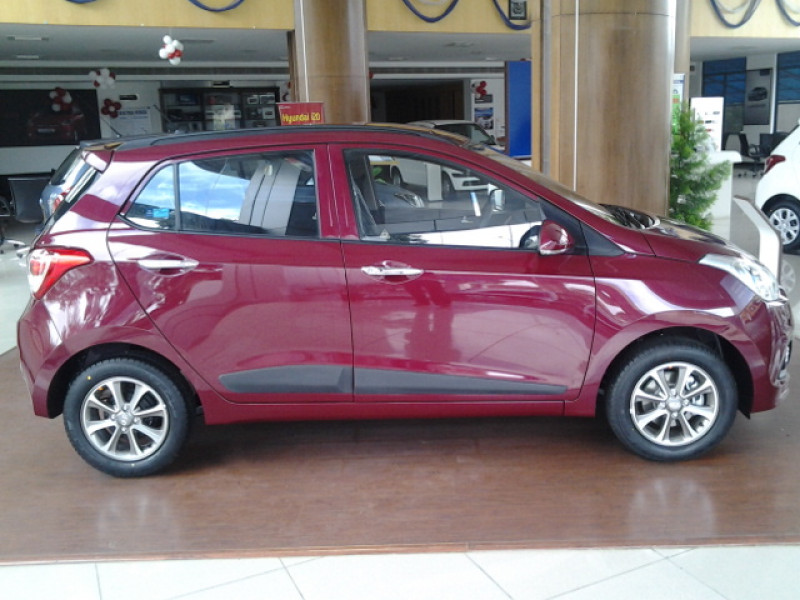 Hyundai Grand I10 Images Photos And Picture Gallery