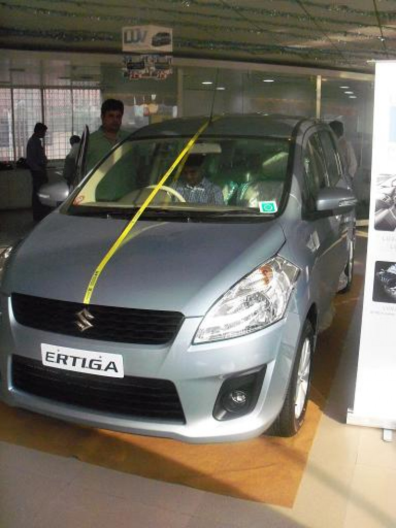 Maruti Ertiga Images Photos And Picture Gallery 116084 Cartrade