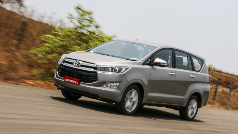 Toyota Innova Crysta Images Photos And Picture Gallery