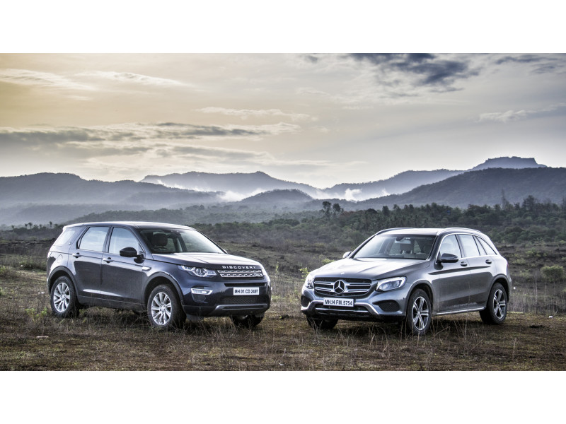 Land rover discovery sport diesel vs mercedes benz glc for Mercedes benz range rover